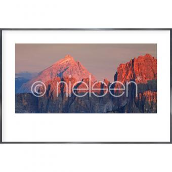 "Gerahmtes Bild ""Dolomite Alps"" mit Alurahmen Alpha"