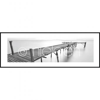 "Gerahmtes Bild ""Footbridge black and white"" mit Alurahmen C2"